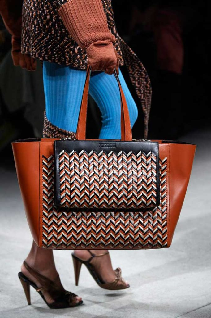 Мода 2020 сумки с вязаными элементами фото