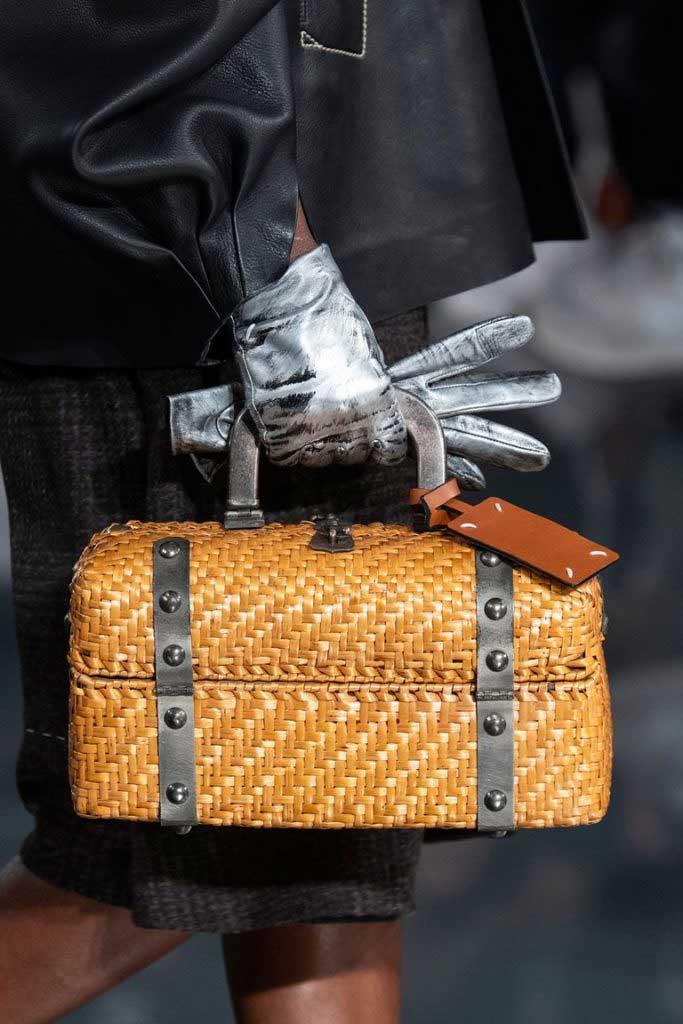Осенняя мода 2020 плетёные сумки фото