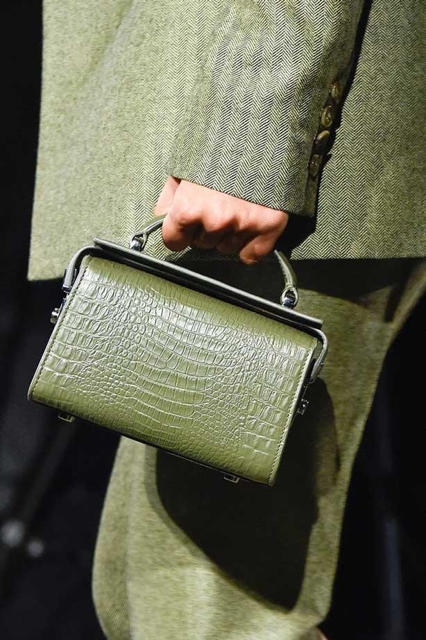 Трендовые сумки из кожи крокодила 2020 фото