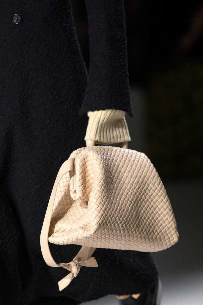 Плетёные сумки мода 2020 фото