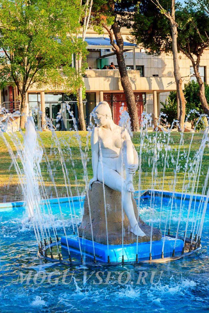 Салоники фонтан фото