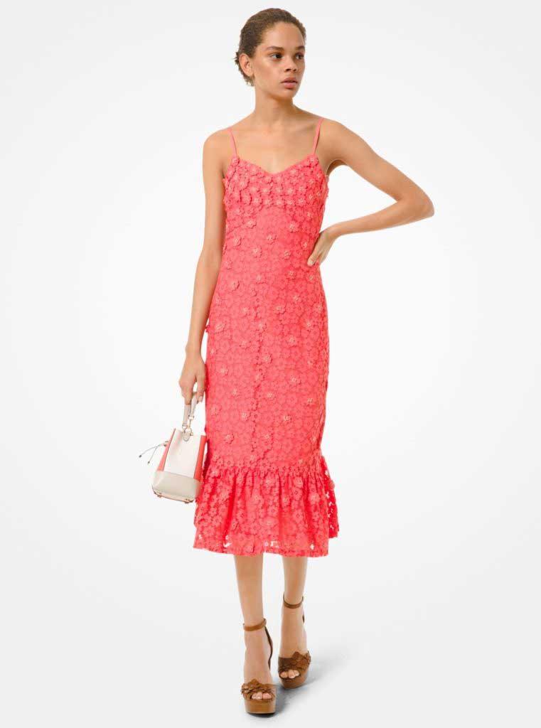 тренды сезона весна-лето 2020 кружевное платье