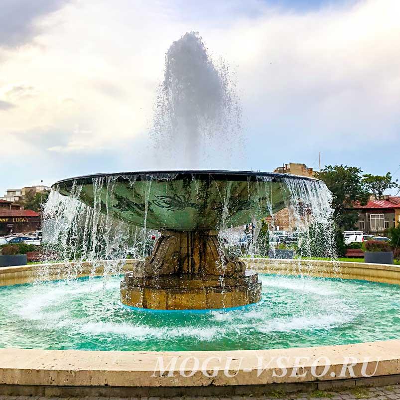 Бухарест фонтан фото